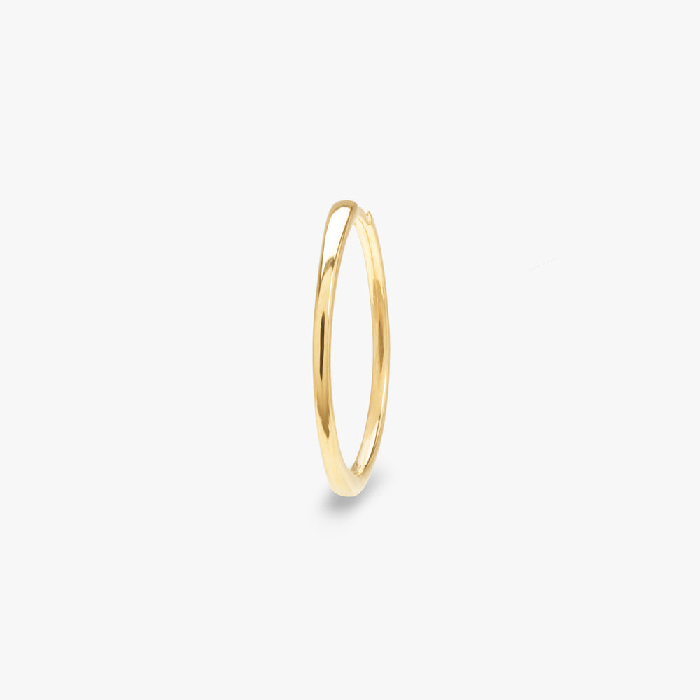 Slim gold large hoop. color:gold