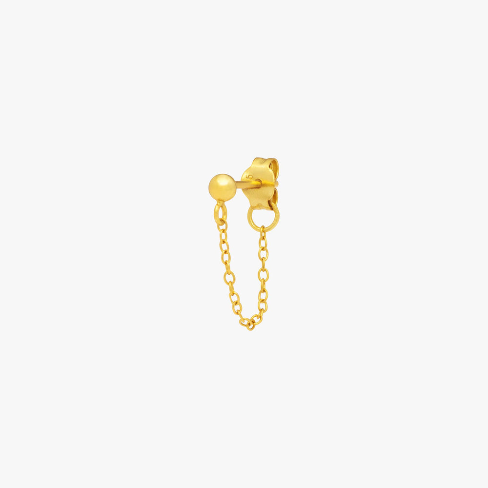 Gold ball stud with chain linked from front to back. color:gold