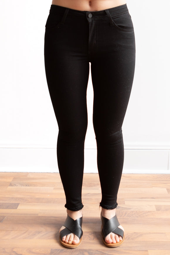 Black Skinny Jeans with Frayed Hem