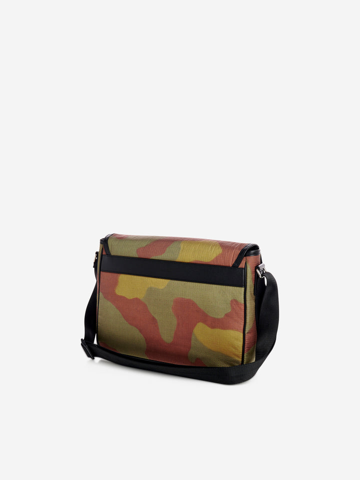 Camouflage print shoulder messenger bag