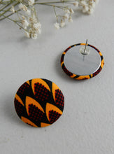 Load image into Gallery viewer, Tribal Print Stud Earring