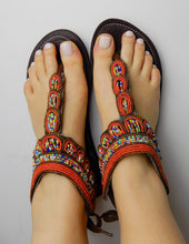 Load image into Gallery viewer, Afrix Style Red Sandals