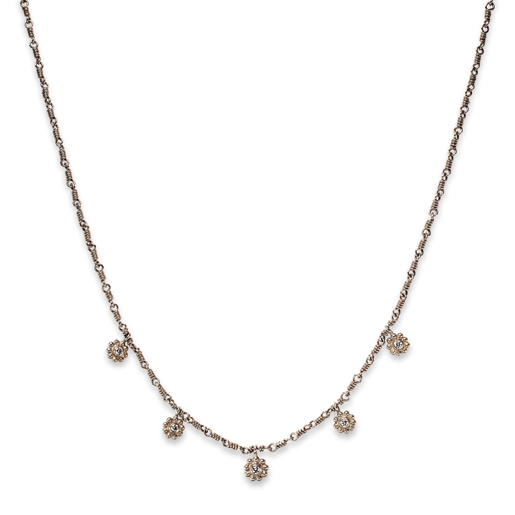 Daisy Necklace in 18K White Gold