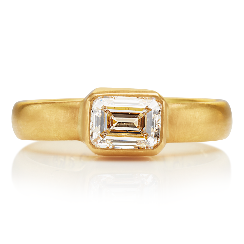 Sonoma Ring with Emerald-Cut, White Diamond