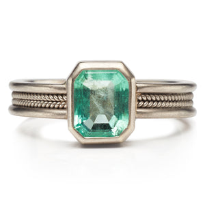 Narrow Emerald Braid Ring in 18K White Gold