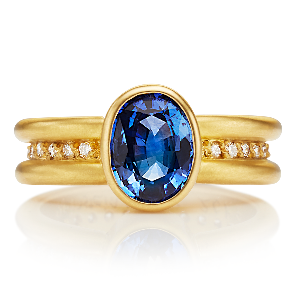 Shimmer Mini Ring with Oval Blue Sapphire in 20K Peach Gold