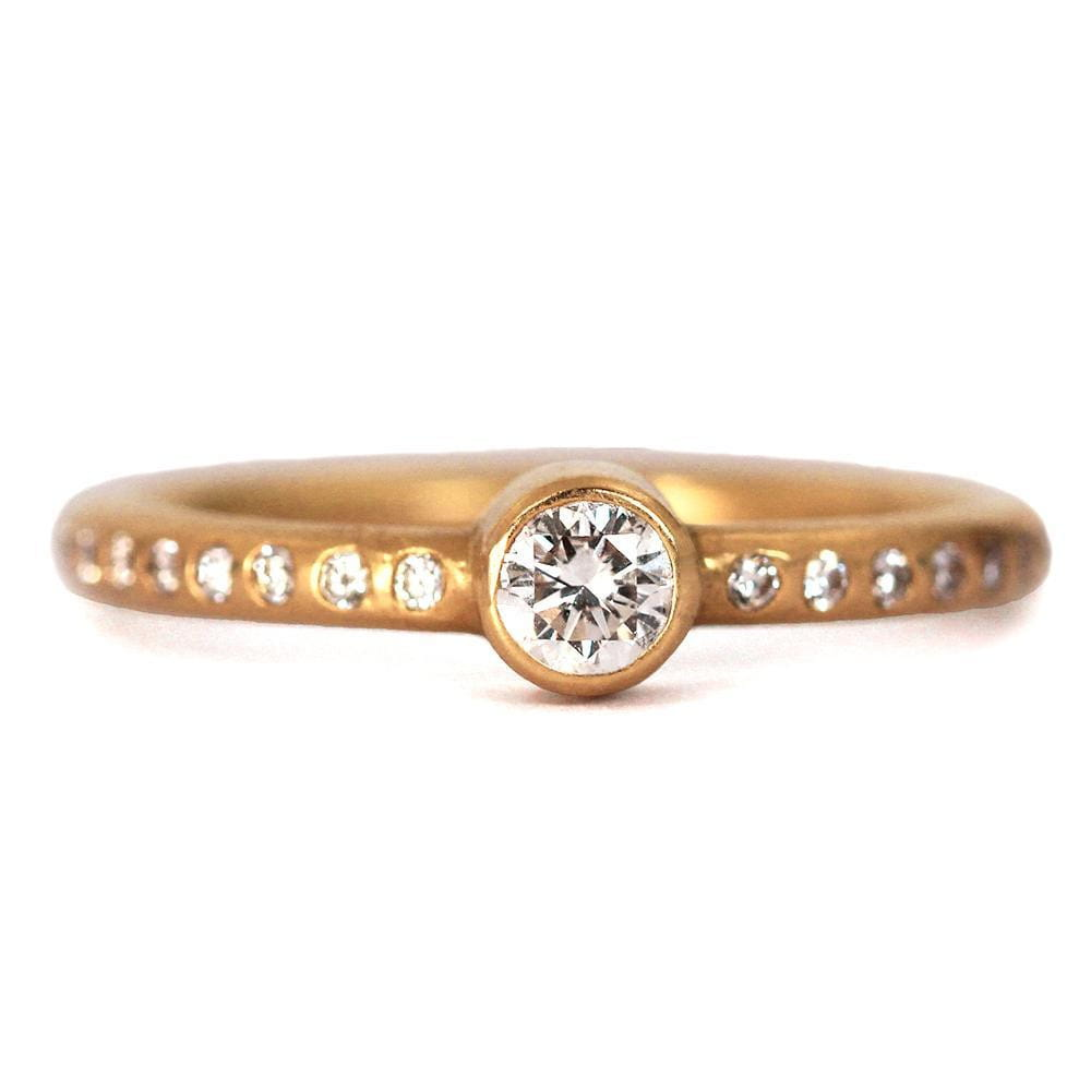 Hoopstock Ring with Diamond