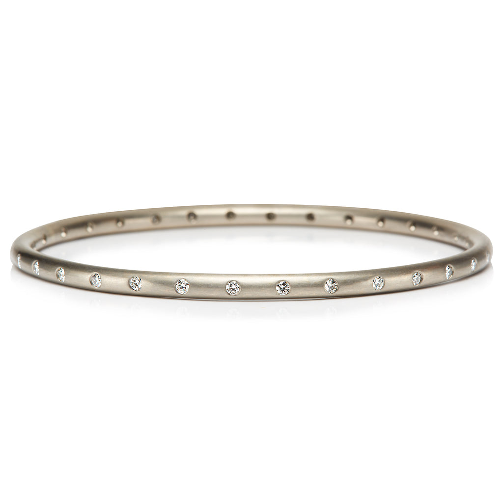 Round Bangle with 32 Diamonds in 20KPG