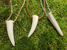 Load image into Gallery viewer, Deer Antler Tine Tip Necklace - North Rustic