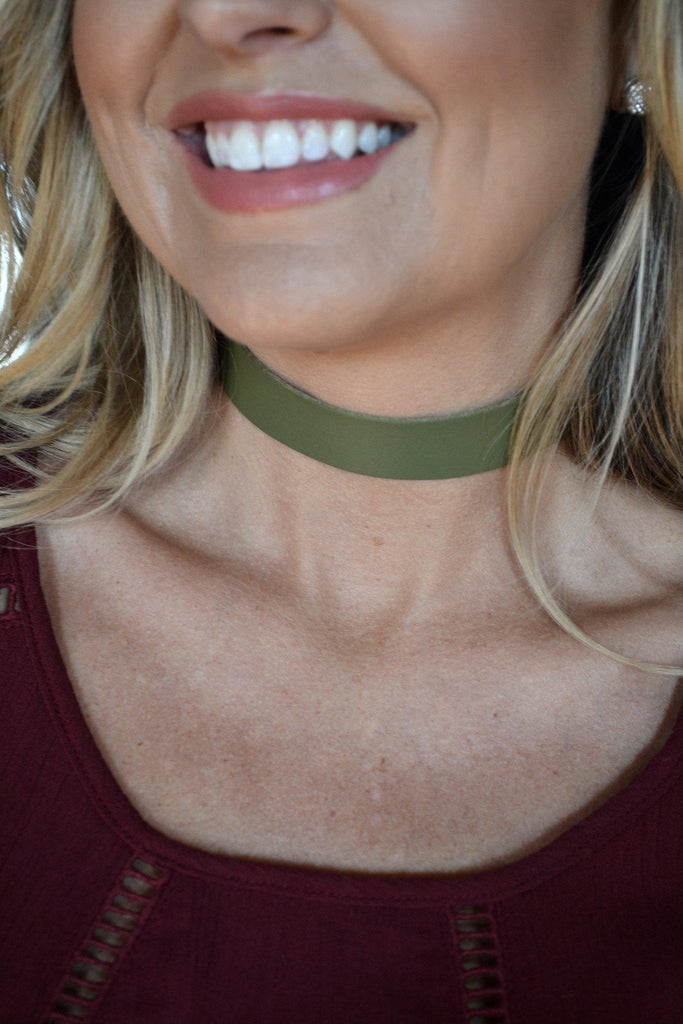 Choker of Many Colors