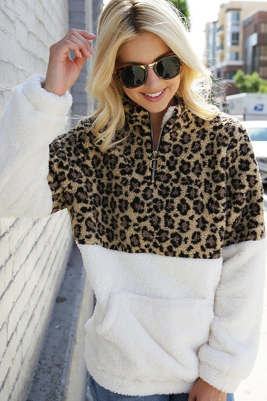 Leopard Kiss Pullover