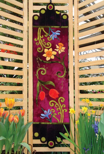 Spring Fling Wool Applique Table Runner Pattern - Fabrics N Quilts