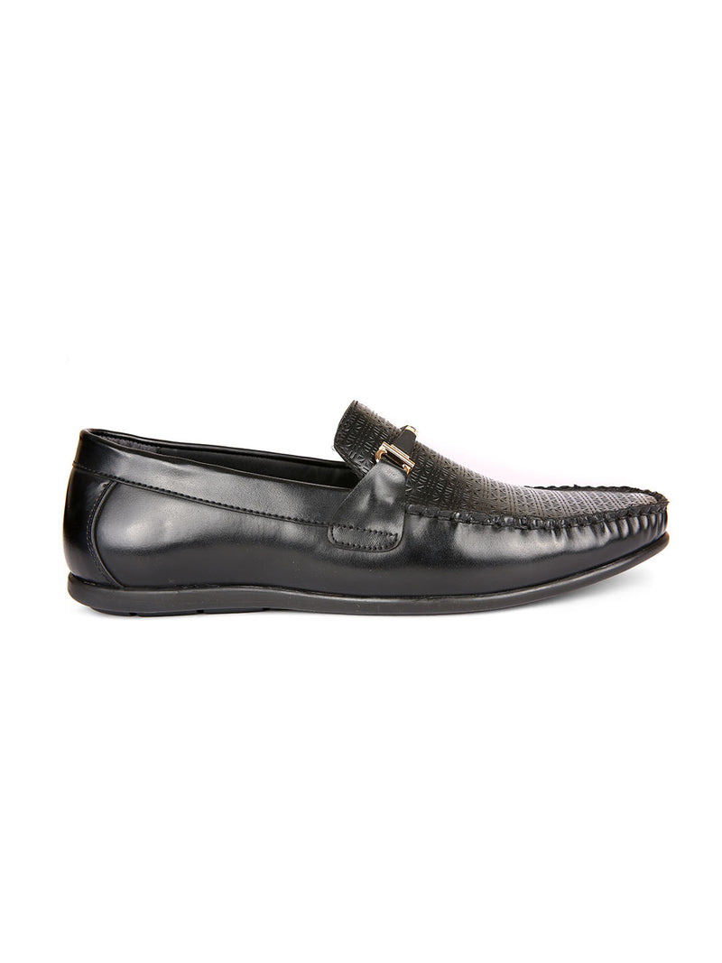 Scandal Textured Loafers With Buckle