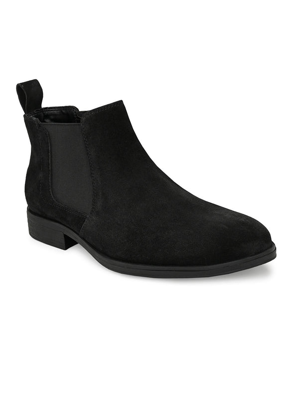Robust Black Boots
