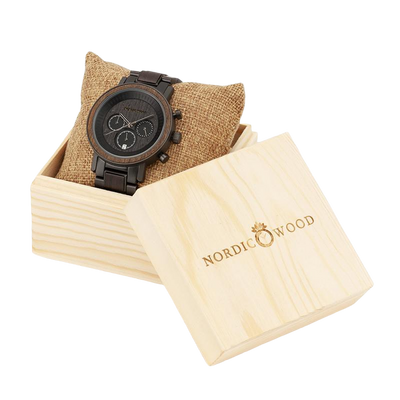 Trendy men's wood watch