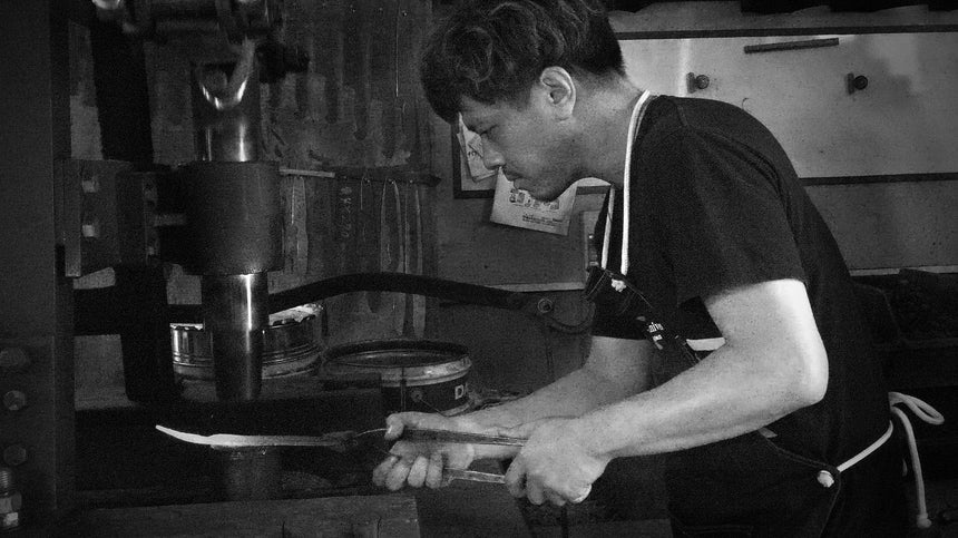 Yu Kurosaki - the young artisan who raised to the top of traditional knife making