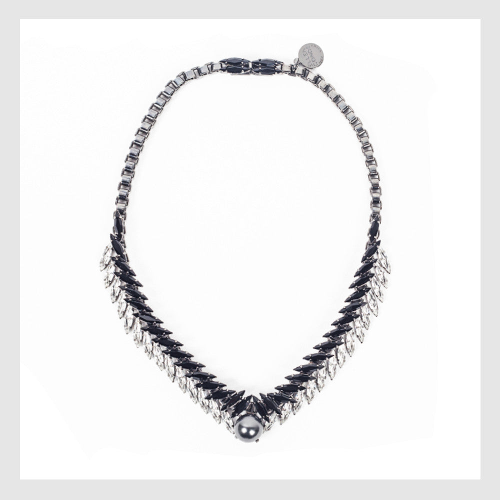 ELLEN CONDE - NECKLACE - CRYSTAL BLACK PEARLS