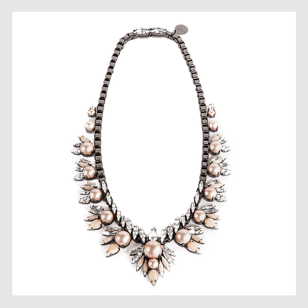 ELLEN CONDE - NECKLACE - POWDER ALMOND PEARLS