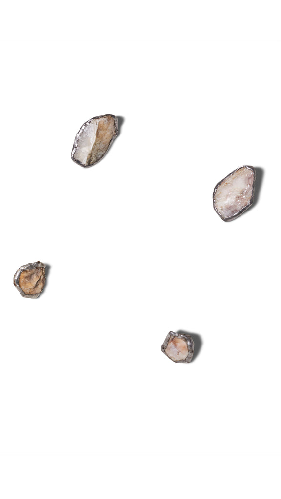 Gauntlett Cheng - Bea Fremderman - Small Oyster Earrings:LaBoutik