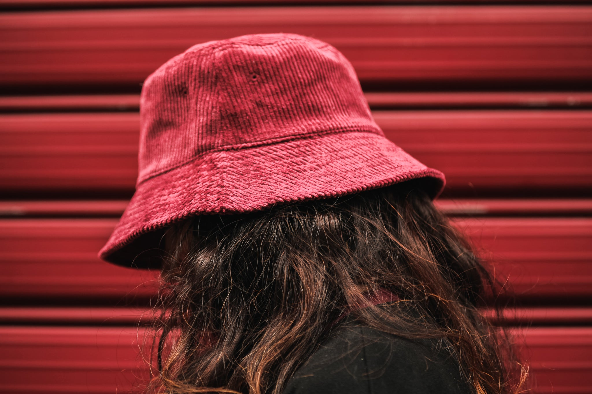 BURGUNDY BUCKET HAT