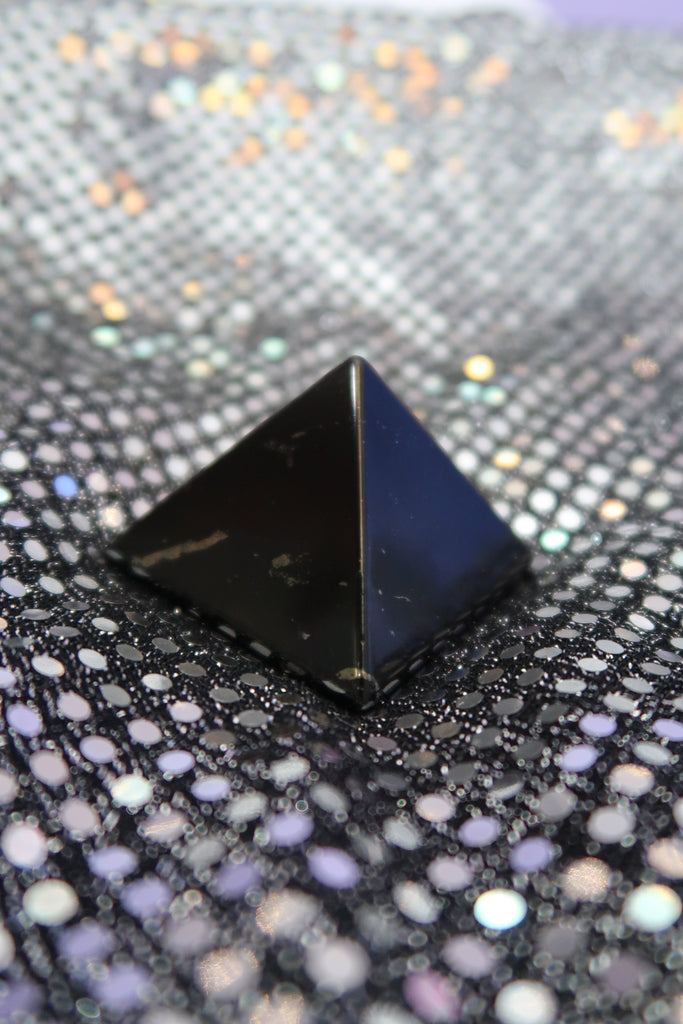Shungite ✧ Pyramid of the Magician
