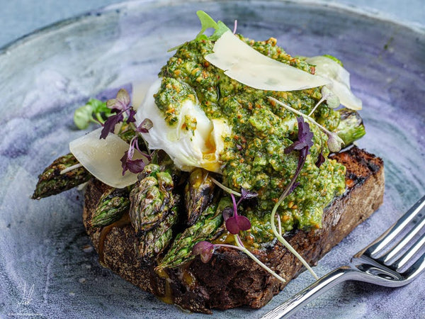 CHARRED ASPARAGUS WITH HAZELNUT PESTO