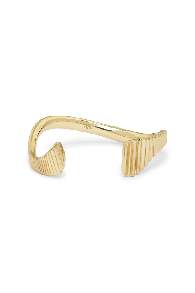 Form Asymmetric Cuff