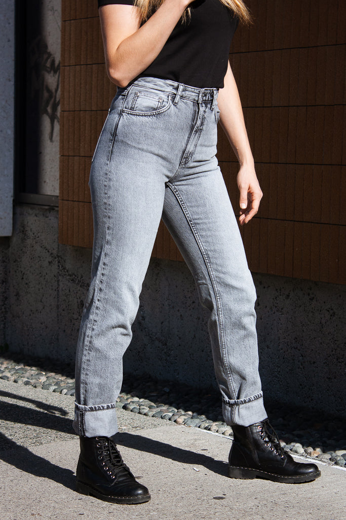 Nudie Breezy Britt - Lazy Grey Jeans & Apparel - Dutil Denim