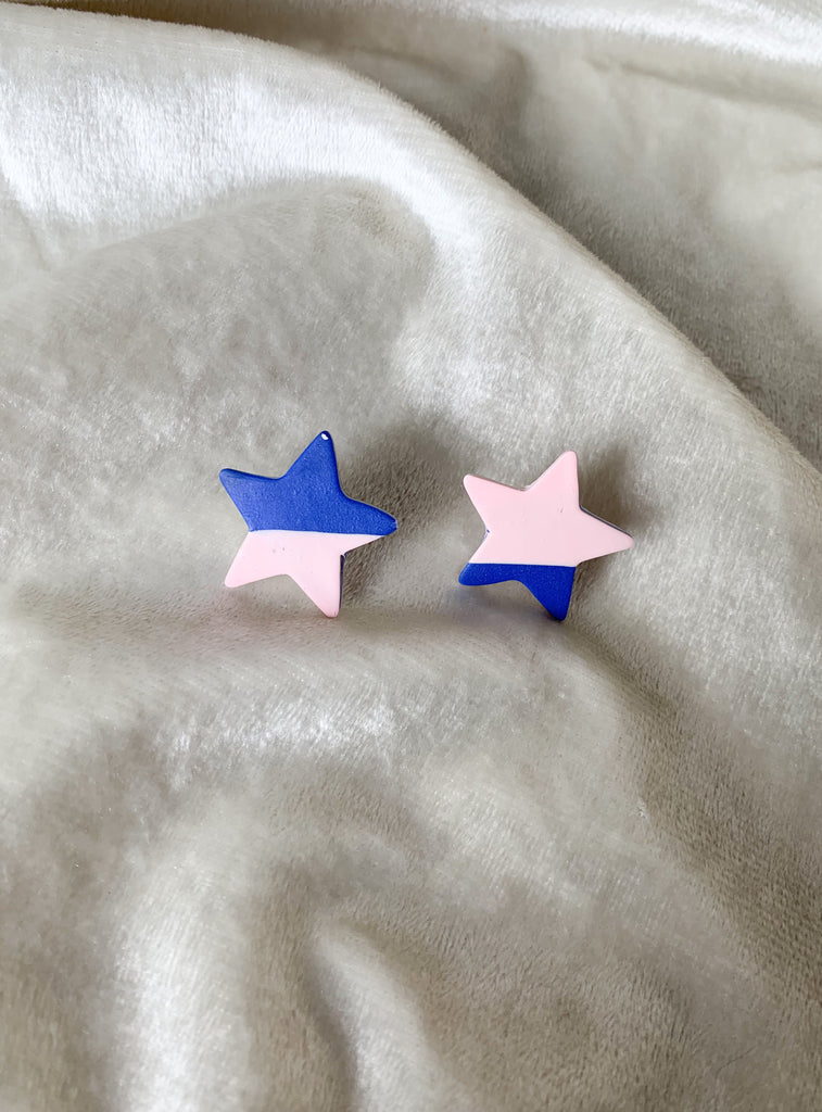 Simple Star Stud in Abstract