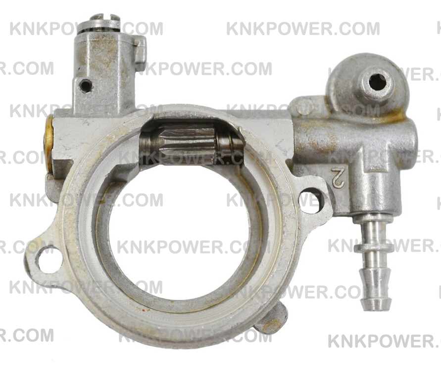 28.1-N136 OIL PUMP 1121 007 1043 STIHL MS240 MS260