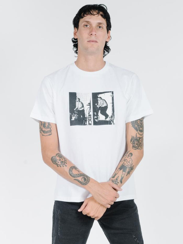 Dennes Merch Fit Tee - Vintage White