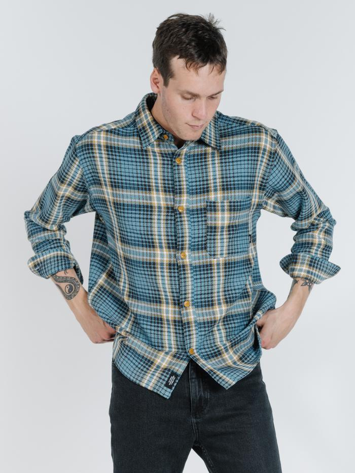 Scribe Oversized Long Sleeve Flannel - Washed blue