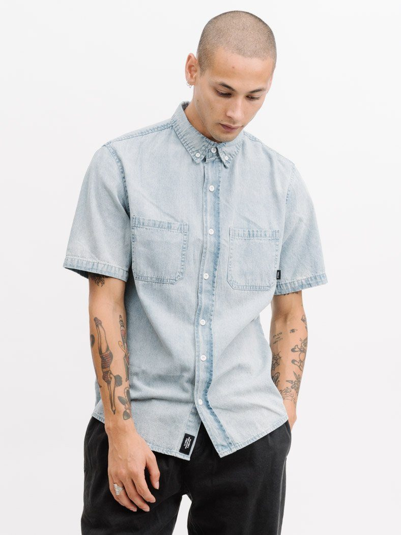 Canyon Short Sleeve Shirt - Light Wash Blue