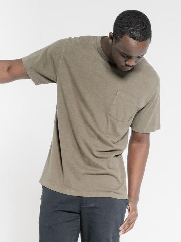 Endless Merch Fit Pocket Tee - Military Green