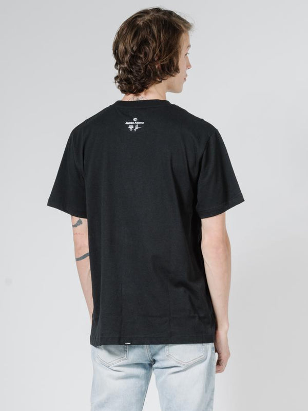 Skin Trade Merch Fit Tee - Black