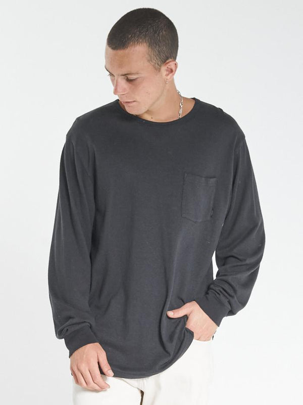 Endless Merch Fit Long Sleeve Pocket Tee - Black