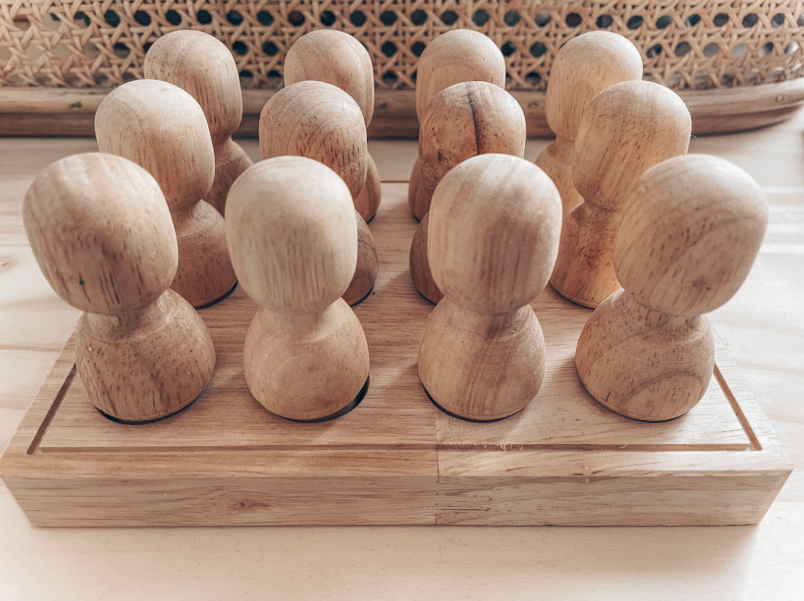 Wooden People In A Tray - Natural Small