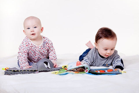 Babies reading to learn first words
