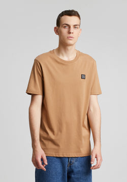 Logo Block Patch T-Shirt camel - Hafendieb
