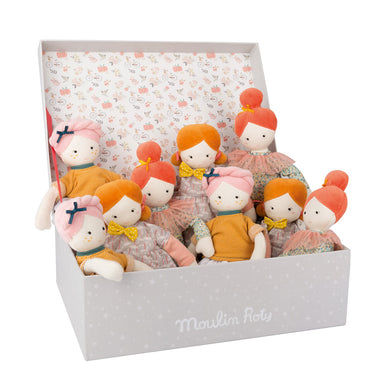 Les Parisiennes - Display Box with (9 assorted dolls)