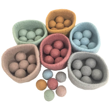 Felt Play Set - Felt Ball/Bowl Set - 42 pieces - From Papoose's felt play set collection - Papoose