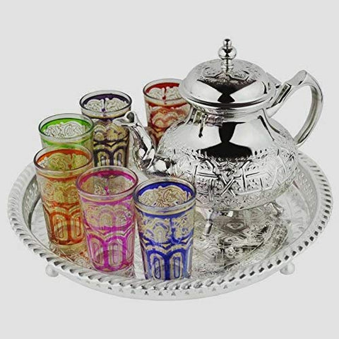 Teapots with typical Arab glasses.
