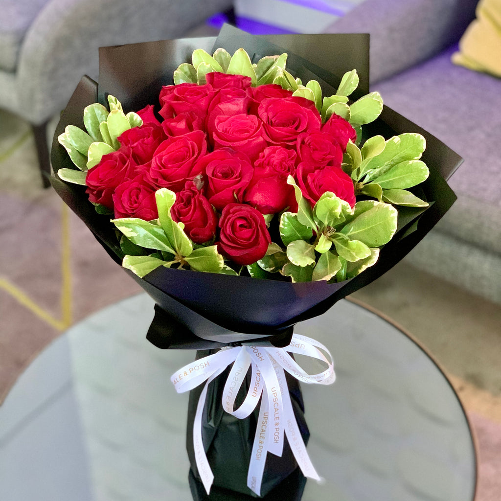 Luxury Red Roses Bouquet with Pitos