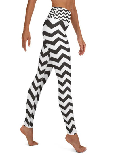 Chevron Leggings Capris & Shorts