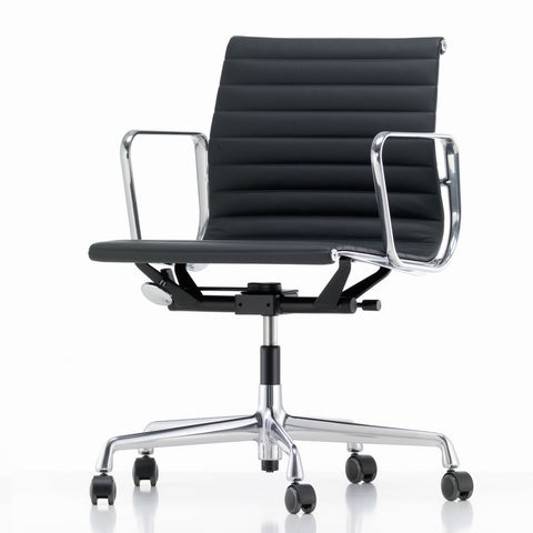 EA 117 Eames Aluminium Group Chair