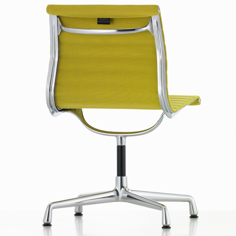 EA 101 Eames Aluminium Group Chair