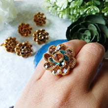 Load image into Gallery viewer, The Flower Ring