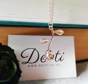 Single Rose Romantic Rosebud Necklace - Rose Gold
