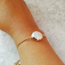 Load image into Gallery viewer, Faux Pearl Gold Bracelet