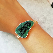 Load image into Gallery viewer, Green & Gold Crystal Druzy Bracelet